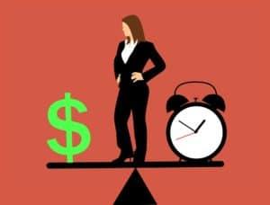 Женщина зарабатывает больше мужа
